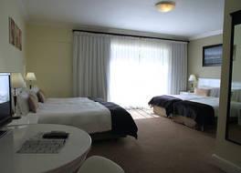 ザ ニュー ツルバ ホテル 写真