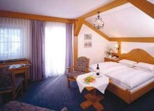 ホテル ヴィッテルスバッハ オーバーアマガウ 写真
