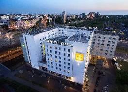 プレミエール クラッセ ヴァルソヴィ ホテル