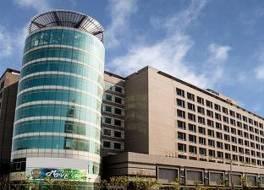 フーロン ホテル タオユェン エアポート アクセス MRT A8