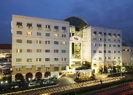 スラバヤ スイーツ ホテル
