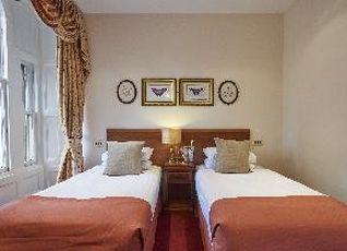オールド ウェーバリー ホテル 写真