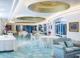 ホテル レ アガヴィ 写真
