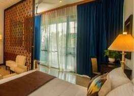 ブルー ウォーター ホテル 写真