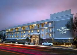 ザ コモドア ホテル