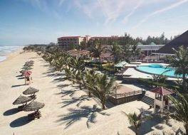 センタラ サンディ ビーチ リゾート ダナン 写真