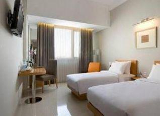 ホテル サンティカ ジャムルサリ 写真