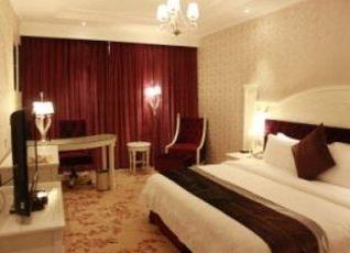 ギリン ブラボ ホテル 写真