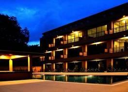OYO 610 ナイヤン ビーチ ホテル 写真