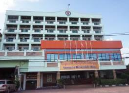 ヴァネッサ リバーサイド ホテル