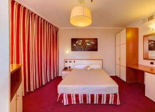 ベストウェスタン プラス コングレス ホテル 写真