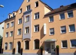 ホテル アウグスブルク ゴールデナー ファルケ