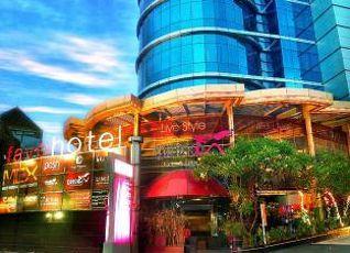 ファブ ホテル MEX スラバヤ 写真
