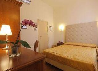 ホテル ブレタグナ 写真