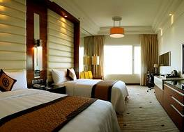 ロイヤル ハロン ホテル 写真