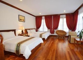 ロイヤル クラウン ホテル 写真