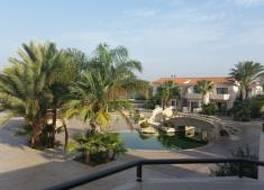 Crown Resorts Henipa 写真