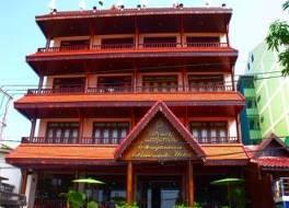 セン タワン リバーサイド ホテル