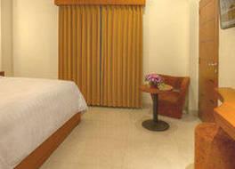 ホテル ビダカラ ファンシー タンジュンガン スラバヤ 写真