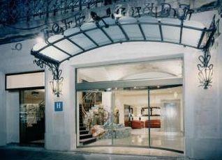 ガウディ ホテル 写真