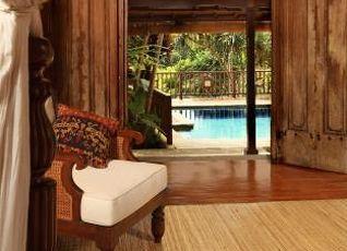 ワーウィック イバ ホテル 写真