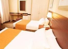 ザ ニュー アンバサダー ホテル 写真
