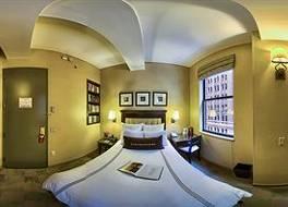 ライブラリー ホテル 写真