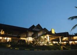 コンフォータ ホテル タンジュン ピナン 写真