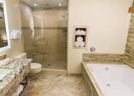 ベストウェスタン プラス アロヨ ローブル ホテル アンド クリークサイド ヴィラズ 写真