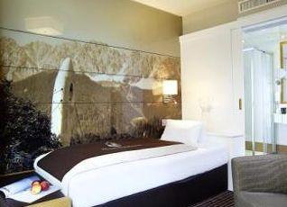 ホテル インスブルック 写真