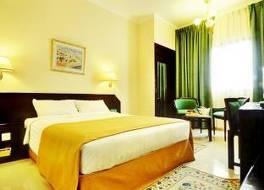 ホテル アル マディナ ホリデイ 写真