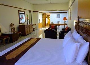 ルーイ パレス ホテル 写真