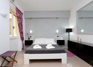 Trevi Fountain apartments 写真