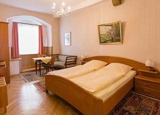 ホテル ガストフ ゴールデナー グレイフェン 写真