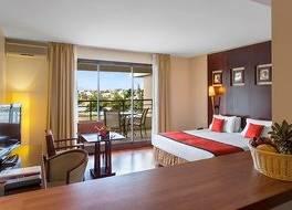 ラマダ ホテル アンド スイーツ ヌメア 写真