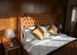 Hotel Colosseo Tirana 写真