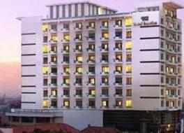 ホテル サンチカ パンデギリング スラバヤ