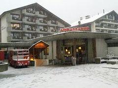 ホテル アンバサダー ツェルマット 写真
