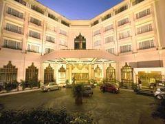 ザ チャンセリー ホテル 写真