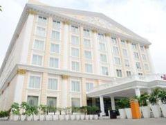ホテル ラマダ アムリトサル 写真