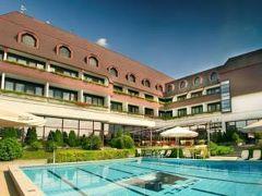 ホテル ショプロン 写真