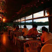 海風にあたりながら沖縄料理「海の家」