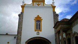 ロイオス教会はオススメです。