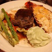▲ マジックはともかく、食事は・・・・「マジック・オブ・ポリネシア・デラックス・ディナー(送迎つき)」