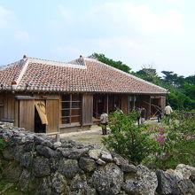 石垣やいま村 : 見どころ多し。名蔵湾の景色が一望できる展望台もあります。