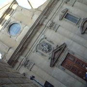 お買い物通りの教会