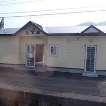 駅舎はとても綺麗です
