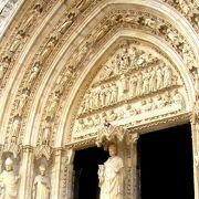 ボルドーワインともゆかり深い大聖堂は見所がたくさん!