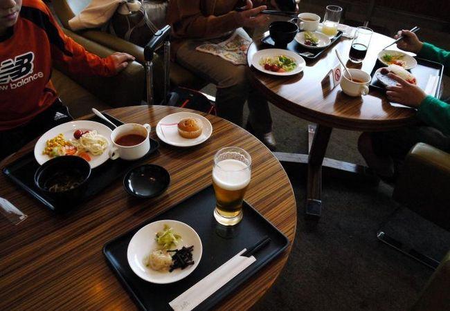 成田空港国際線 JALサクララウンジ