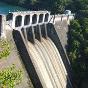 寂れた八百津の新丸山ダムの風景